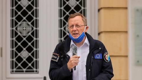 """Gegen den aktuellen """"Krisen-Nationalismus"""" spricht sich Johann-Dietrich Wörner auf dem Karolinenplatz aus.  Foto: Andreas Kelm"""