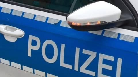 Bei einem Unfall nahe Waldbrunn wird am Samstag ein Mensch verletzt. Symbolfoto: dpa