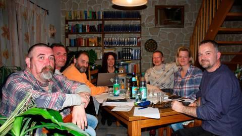Zählen zum Vorstand: Achim Grauling, Thomas Steinbichl, Jörg Grunewald, Inge Schneider, Esther Kroß, Silke Karnelka und Marko Appel (v.l.). Foto: Schneider