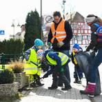 """Rund um Massenheim hat der Verein """"Massenheimer Stöffsche"""" Müll eingesammelt. Foto: VF/S. Pflug"""