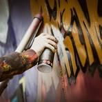 """Falscher Alarm: Sprayer, die in Limburg eine Unterführung in der Straße """"Im Ansper"""" besprüht hatten, durften das und haben keine Straftat begangen. Symbolfoto: sashafolly/stock.adobe"""