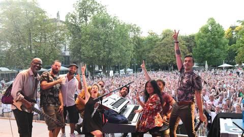 """Das Rheingau Musik Festival versucht, neue, jüngere Zielgruppen zu erschließen: Mit Videobotschaften, die via Facebook verbreitet werden, können sich die Künstler direkt an ihr Publikum wenden – eine Möglichkeit, von der unter anderem die Band """"Seven"""" Gebrauch machte. Foto: RMF/Ansgar Klostermann"""