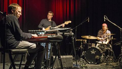 """Im Jazzcafé im """"Rind"""" spielt das Matthias Vogt Trio mit Matthias Vogt am Klavier, Andreas Büschelberger an der Gitarre und Volker Schmidt am Schlagzeug.Foto: VF/Dziemballa  Foto: VF/Dziemballa"""