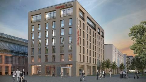 216 Zimmer im Drei-Sterne-Plus-Standard soll das Intercity-Hotel bekommen. Dahinter entsteht ein Wohnhaus mit 107 Mikroapartments. Geparkt wird in einer großen Tiefgarage.  Foto: pkw/GBI AG