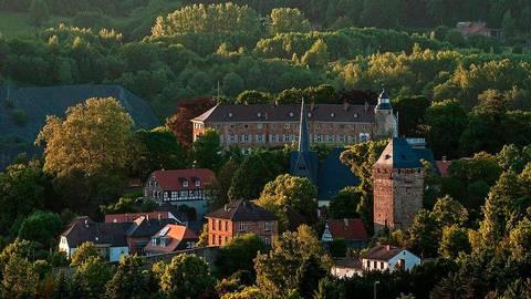 Mit einer Landesgartenschau könnte die regionale Kulturlandschaft in Szene gesetzt werden - hier im Foto die Altstadt von Ortenberg.  Foto: TourismusRegion Wetterau