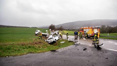 Bei dem Unfall auf der L3026 bei Niedernhausen ist ein 29-Jähriger ums Leben gekommen. Foto: wiesbaden112