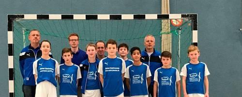 Die D1-Junioren der JSG Freiensteinau haben sich mit Rang zwei bei den Hallenmeisterschaften des Kreises Schlüchtern für die Regionalmeisterschaften qualifiziert.  Foto: Dietz