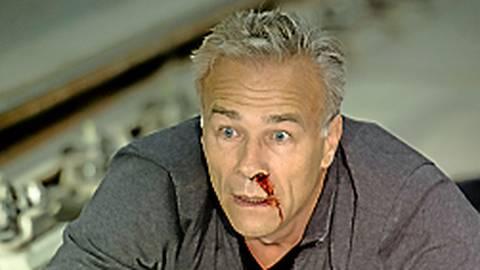 Kommissar in Gefahr: Max Ballauf (Klaus J. Behrendt) wurde vor eine fahrende U-Bahn gestoßen.  Foto: Menke/WDR