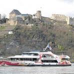 Die Ruinen der ehemaligen Festung Rheinfels thronen bei St. Goar über dem Rhein. Foto: Wolfgang Blum