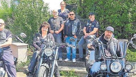 """Die Mitglieder des MC """"Road Crawlers Germany"""" sind entsetzt über die Debatte zum Motorrad-Fahrverbot.  Foto: Jachmann"""