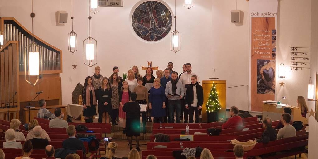 Gesangsgruppe von Jung Hea Gitzel begeistert in Brombach