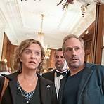 Der Eindruck täuscht: Ganz so rosig geht es bei Anna Janneke (Margarita Broich) und Paul Brix (Wolfram Koch) nun doch nicht zu.  Foto: HR/Degeto/Bettina Müller