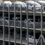 Die deutsche Autoproduktion läuft derzeit wieder flott, der Verkauf hierzulande aber nicht wirklich rund. Foto: dpa