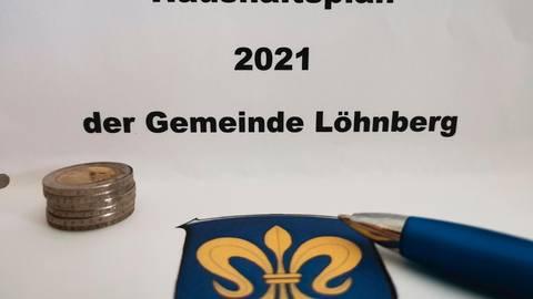 Wie steht es um die finanzielle Situation der Gemeinde Löhnberg? Die beiden Bürgermeisterkandidaten, Alexander Pfeiffer und Frank Schmidt,  kommen bei dieser Frage zu unterschiedlichen Einschätzungen.  Foto: Olivia Heß