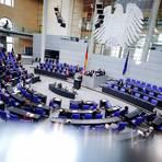 Der Bundestag entscheidet am Donnerstag über Lockerungen für Geimpfte und Genesene. Foto: dpa