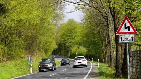 Es gebe mehrere Wege, die L3010 zwischen Büdingen und Rinderbügen sicherer zu machen. Für Büdingens CDU und ihren Bürgermeisterkandidaten steht ein Tempolimit dabei nicht an oberster Stelle. Foto: Harris