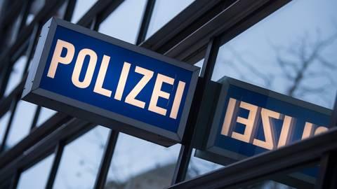 Die Polizei leitete ein Verfahren ein. Symbolfoto: dpa
