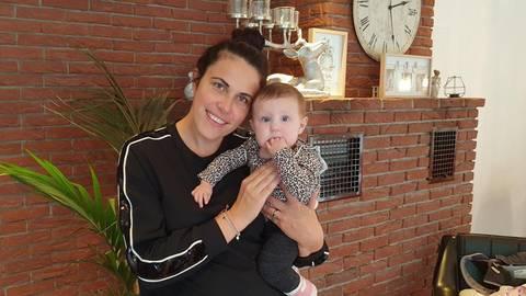 Nadja Winkler sieht in der Corona-Pandemie rückblickend auch Vorteile bei der Geburt ihrer Tochter Rosa im April. Foto: Anja-Meike Müller