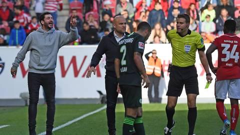 Schiedsrichter Felix Brych gab Trainer Sandro Schwarz in der Partie gegen den VfL Wolfsburg die gelb-rote Karte. Foto: Sascha Kopp