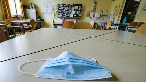 Ab Donnerstag füllen sich wieder die Klassenräume in den Schulen. Die Mittelstufenschüler kehren nach vier Monaten aus dem Distanzunterricht zurück. Archivfoto: Sascha Kopp