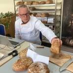 101 Brotsorten nimmt Michael Isensee beim Test genau unter die Lupe. Foto: Klaus-Dieter Häring