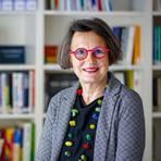 Als Fachberaterin des Frauennotrufs steht Anette Diehl täglich mit von sexualisierter Gewalt Betroffenen in Kontakt. Foto: Harald Kaster