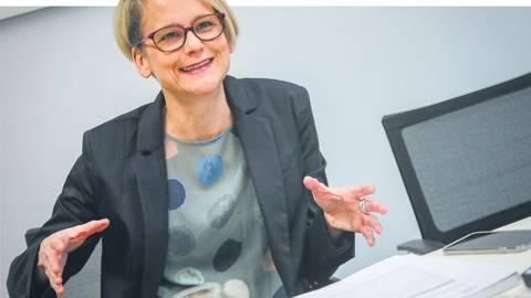 Sabine Maur, Präsidentin der Landespsychotherapeutenkammer Rheinland-Pfalz, im Gespräch. Foto: Lukas Görlach
