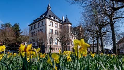 In Bensheim (hier das Rathaus) lag die Wahlbeteiligung bei knapp 49 Prozent. Archivfoto: Thomas Neu