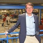 Der 58-jährige Burghard von Westerholt blickt als neuer Geschäftsführer der Blech- und Lasertechnik GmbH in Bretzenheim zuversichtlich in die Zukunft. Foto: Norbert Krupp