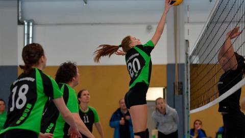 Für Liv Aull (VBC Büdingen) und alle anderen Volleyballteams in Hessen ist die Runde beendet.   Foto: erg/Archiv