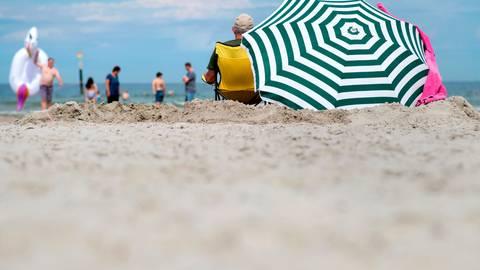 Im Lahn-Dill-Kreis steigen die Fallzahlen, ein direkter Zusammenhang mit Urlaubsrückkehrern besteht aber nicht. Foto: Hauke-Christian Dittrich/dpa