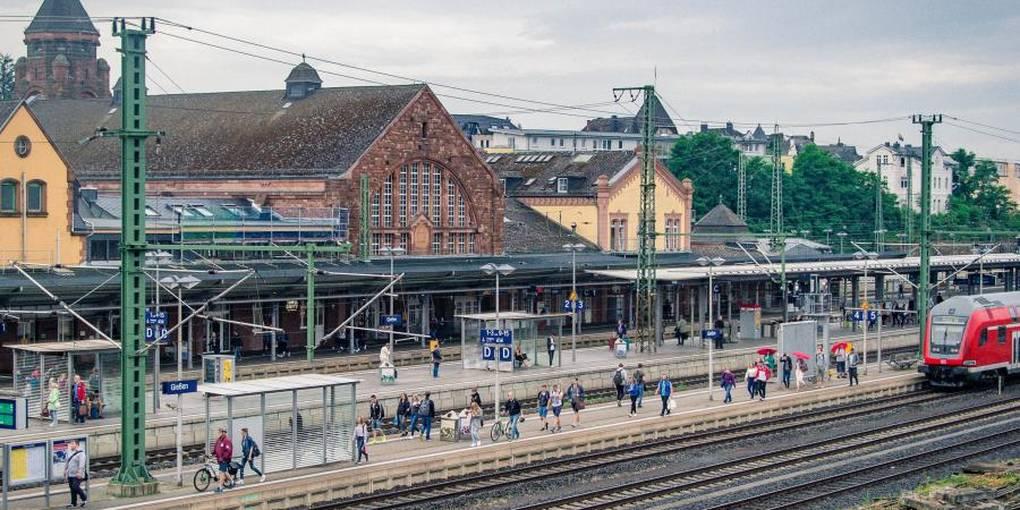 Gießen Frankfurt Bahn