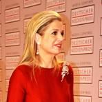 Ein herrliches rotes Abendkleid trägt Maxima. Foto: Anja Kossiwakis