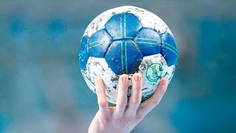 Weiter geduldig sein heißt es für die Handball-Talente: Die Qualifikation auf Hessen- und Bezirksebene wird frühestens nach den Sommerferien ausgetragen. Foto: imago