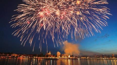 Das traditionelle Feuerwerk der Mainzer Johannisnacht wird auch 2021 nicht zu sehen sein.  Archivfoto: Sascha Kopp