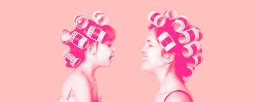 Die Beziehung zwischen Mutter und Tochter hat viele Facetten. Foto:  zoeytoja, Oksana L - adobe.stock; Bearbeitung: vrm/si