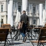 Der Bund peilt einen Corona-Lockdown im November an. Unter anderem sollen Gastronomiebetriebe wie Bars, Clubs, Diskotheken, Kneipen und ähnliche Einrichtungen geschlossen werden - ausgenommen Lieferung und Abholung von Speisen für den Verzehr zu Hause. Symbolfoto: dpa