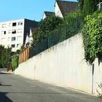Nach 30 Jahren ist eine Sanierung der Betonmauer in der Straße Am Königsbachtal fällig. Für die Kosten muss die Stadt Eppstein aufkommen. Foto: Stadt Eppstein