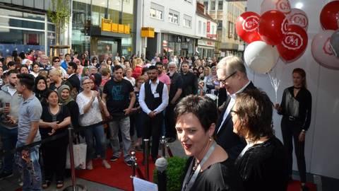 Ca Feiert In Bad Kreuznach Wiedereröffnung Im Neuen Look